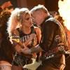 Veja performance de Lady Gaga e Metallica sem falha no microfone