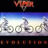 Viper relança álbum 'Evolution' e participa de tarde de autógrafos em SP