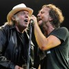 Por motivos de saúde, Neil Young deixa de apresentar o Pearl Jam no Rock and Roll Hall of Fame