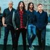 Foo Fighters toca a inédita 'Dirty Water' em show em Paris