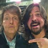 Paul McCartney toca bateria em novo álbum do Foo Fighters