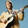 Morre Glen Campbell, astro da country music, aos 81 anos