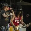 Guns N' Roses toca cover de 'I Feel Good', de James Brown; assista