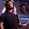 Foo Fighters faz versão de 'Let There Be Rock', do AC/DC, na BBC; assista