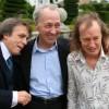 Morre George Young, irmão de Angus e Malcolm Young, do AC/DC