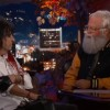 Foo Fighters toca com Alice Cooper no 'Jimmy Kimmel Live!' apresentado por Dave Grohl