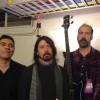 Krist Novoselic se reúne com Dave Grohl e Pat Smear em show do Foo Fighters; assista