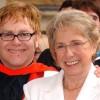 Elton John lamenta morte da mãe: 'Estou em choque'