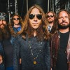 Blackberry Smoke toca 'Used to Love Her', do Guns N' Roses, com Richard Fortus; assista