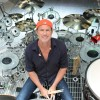 Chad Smith, do Red Hot Chili Peppers, vem ao Brasil para workshop