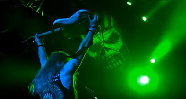 iron-maiden-the-book-wasted-years-clipe