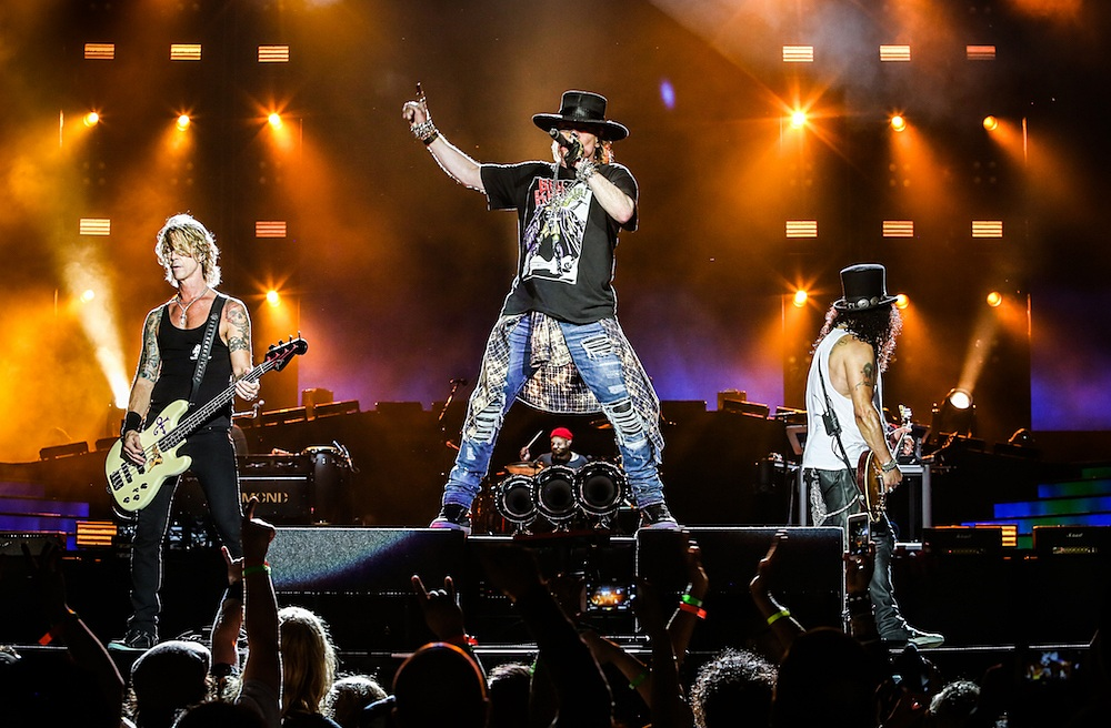 gunsnroses-live-2016-axl-slash-duff