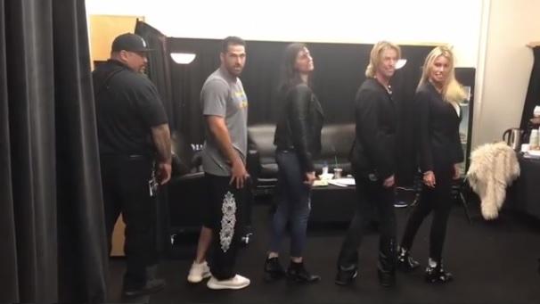 Duff-Mckagan-Beyonce-camarim