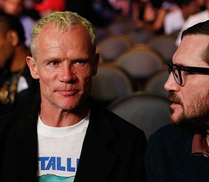 John Frusciante reencontra Flea após quase 10 anos de sua ...