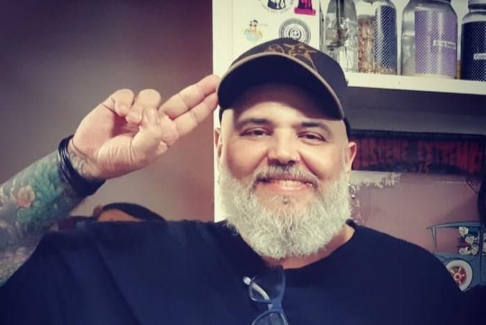 João Gordo tem alta da UTI e segue internado