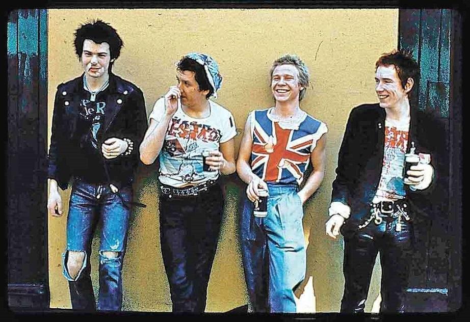 Série sobre Sex Pistols terá diretor de 'Trainspotting' - Ligado à Música