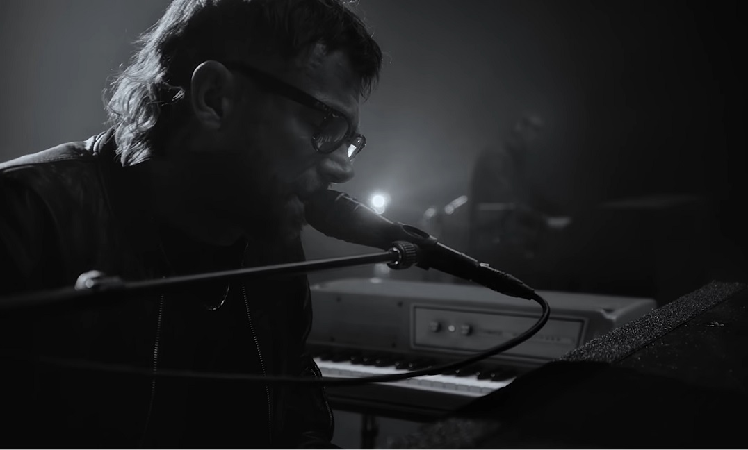 Damon Albarn (Blur, Gorillaz) lança novo single 'Particles'; assista vídeo  - Ligado à Música